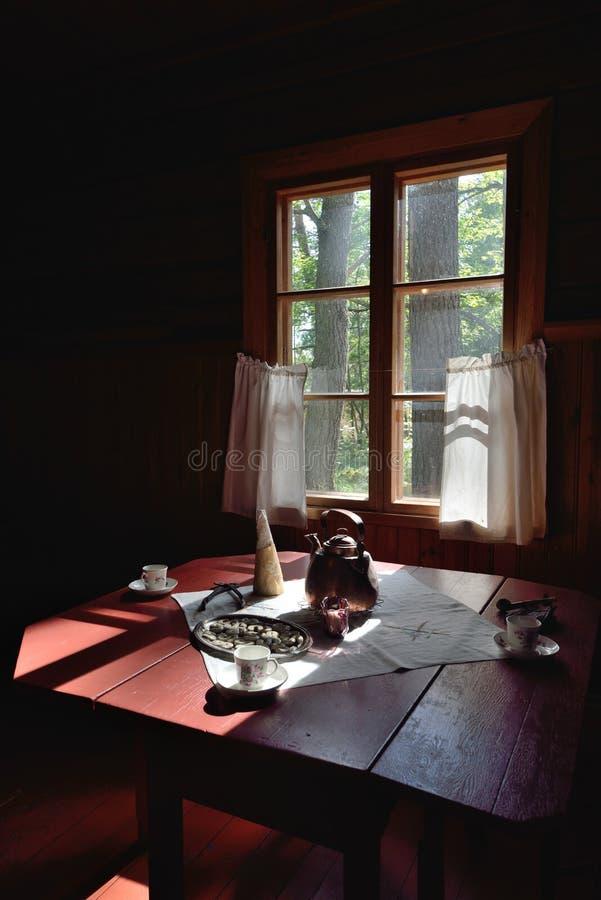 Casa de la cabaña del cuento de hadas fotos de archivo libres de regalías