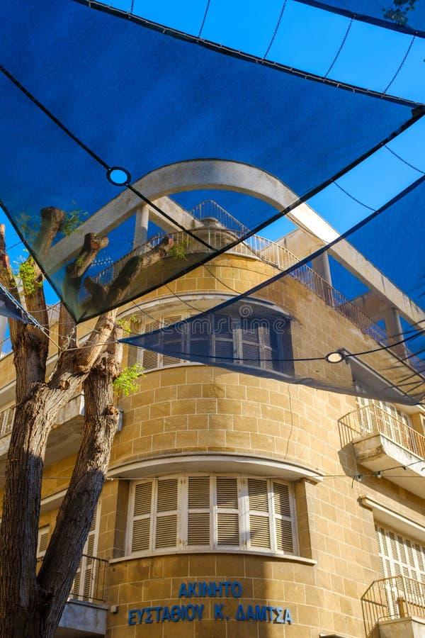 Casa de la esquina hermosa en Nicosia imágenes de archivo libres de regalías