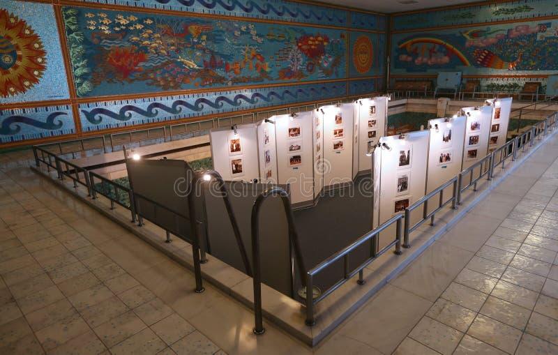CASA DE LA FAMILIA DE CEAUSESCU - MUSEO DEL PALACIO DE PRIMAVERII imagen de archivo