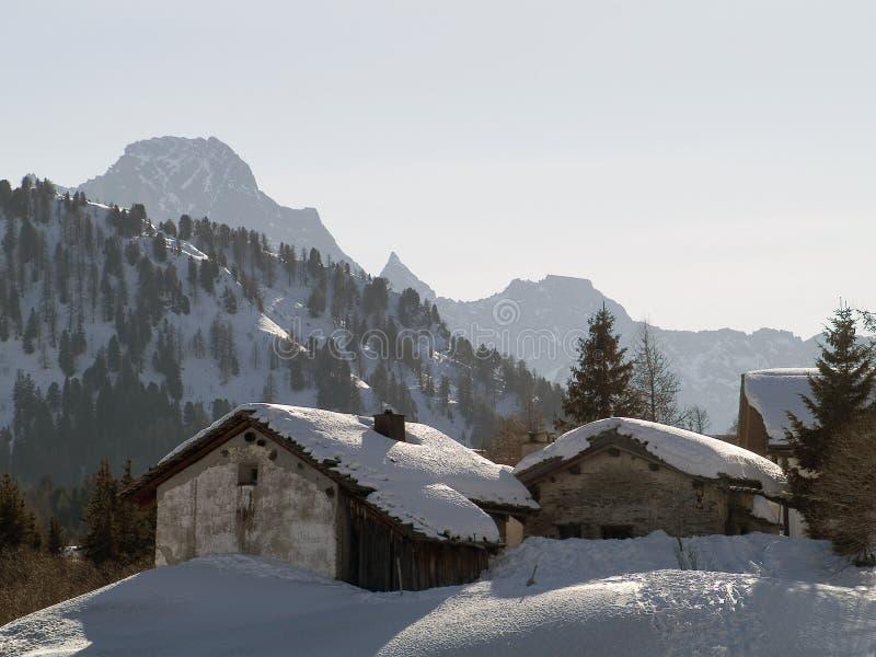 Casa de la nieve imagenes de archivo