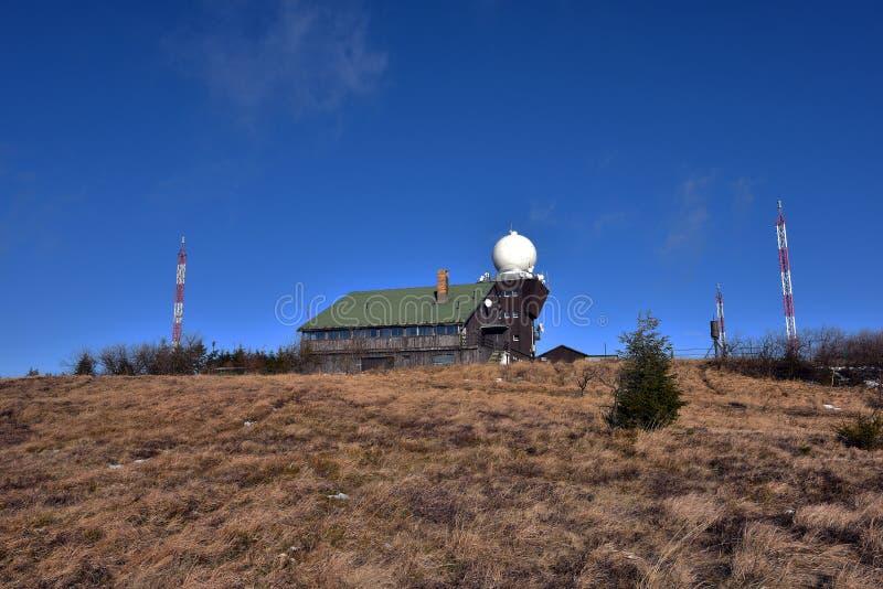 Casa de la observación en la colina del hola de Hojsovska fotos de archivo
