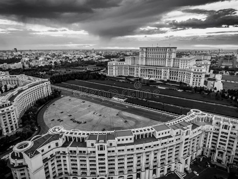 Casa de la versión blanco y negro de Bucarest Rumania del parlamento fotos de archivo libres de regalías
