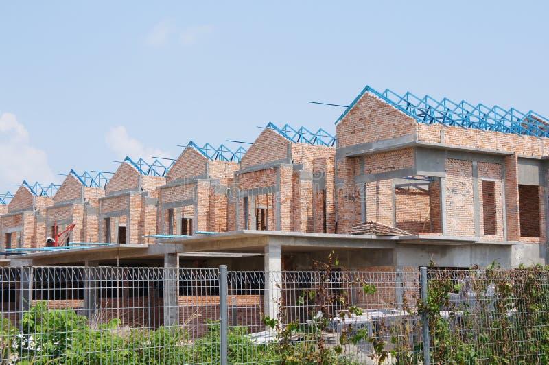 Casa de lujo de la terraza de la historia doble bajo construcci?n en Malasia imágenes de archivo libres de regalías
