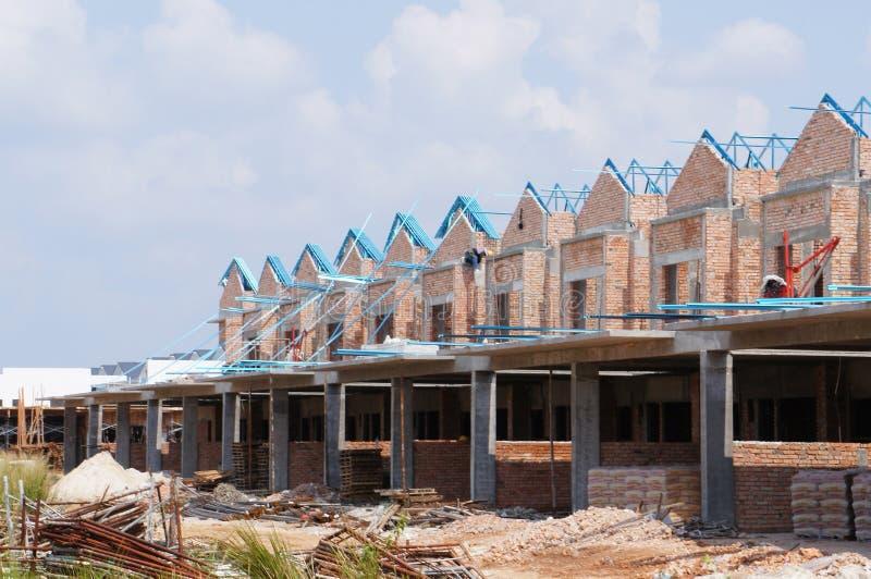 Casa de lujo de la terraza de la historia doble bajo construcci?n en Malasia foto de archivo libre de regalías