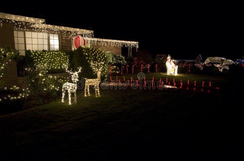 Casa de luzes do Natal da vizinhança de Seattle imagem de stock royalty free