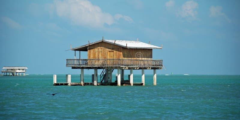 Casa de madeira do Stilt em Stiltsville Florida foto de stock royalty free