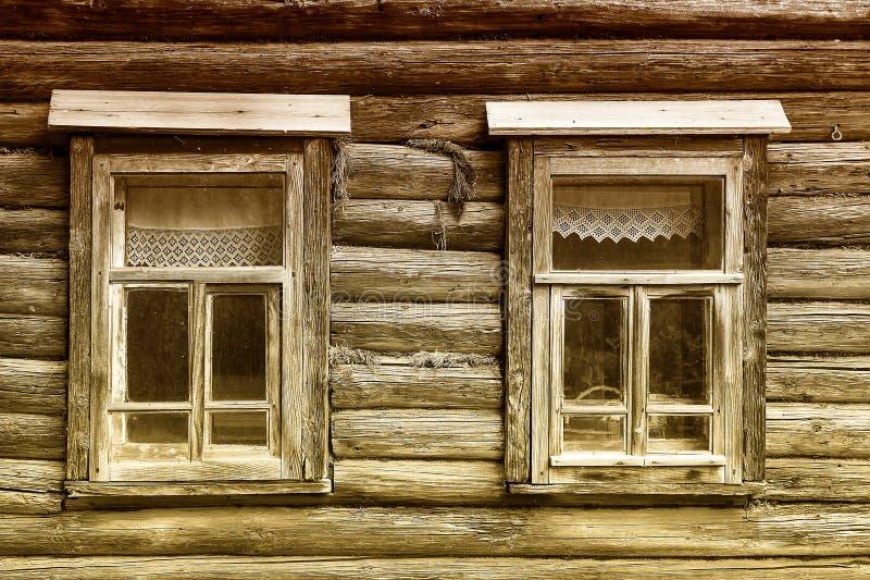 Casa de madeira velha em Rússia imagem de stock royalty free