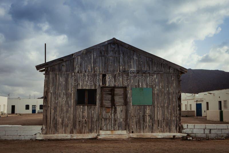 Casa de madeira velha para pescadores fotografia de stock