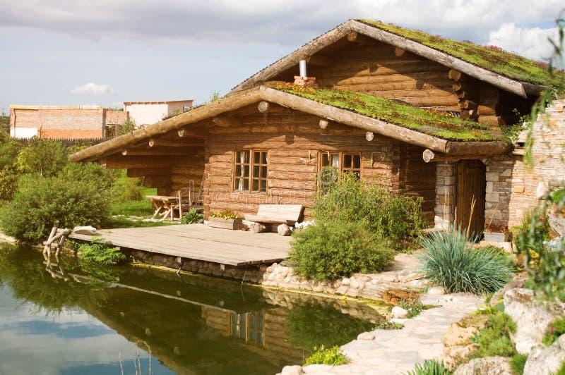 Casa de madera imagen de archivo libre de regalías