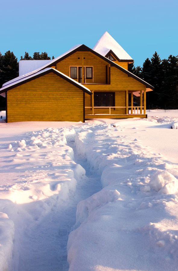 Download Casa de madera foto de archivo. Imagen de bosque, holiday - 7289550