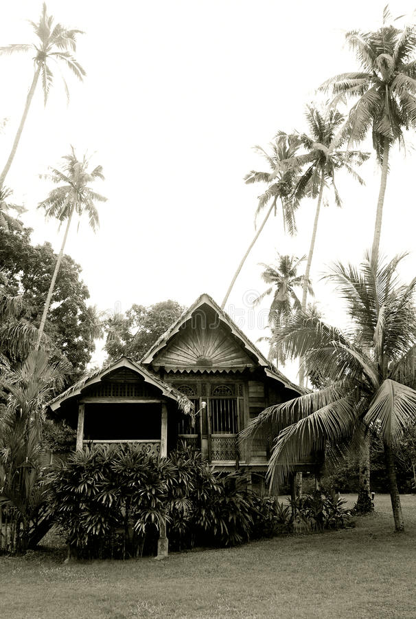 Casa de madera malasia antigua foto de archivo libre de regalías