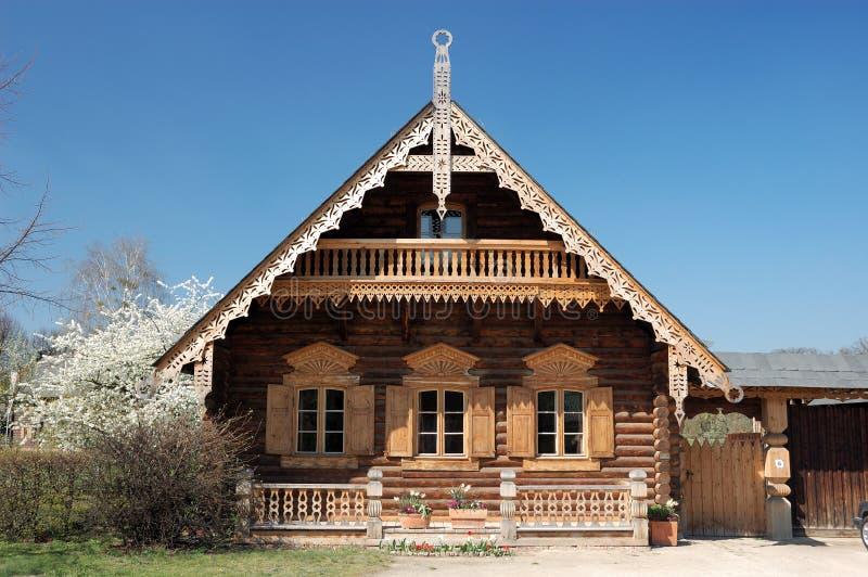 Casa de madera rusa fotos de archivo libres de regalías