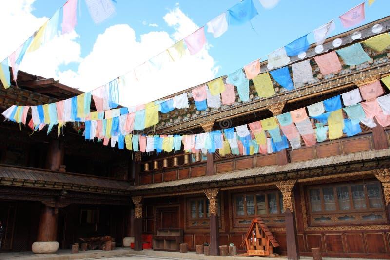 Casa de madera tibetana fotografía de archivo