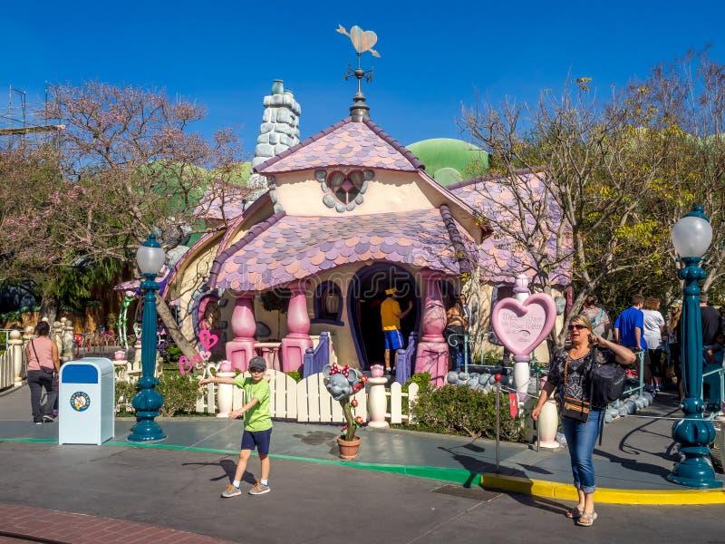 Casa de Minnie Mouse en Toontown, Disneyland imagen de archivo libre de regalías