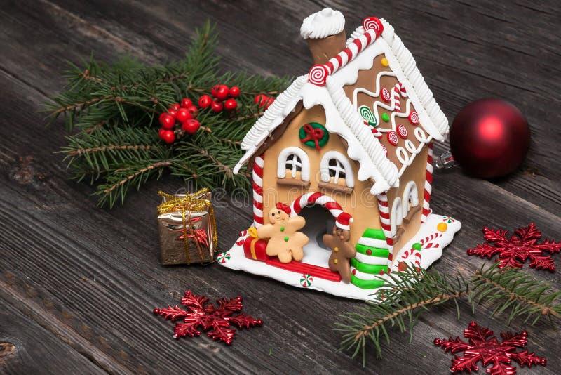 Casa de pan de jengibre, decoración de la Navidad foto de archivo