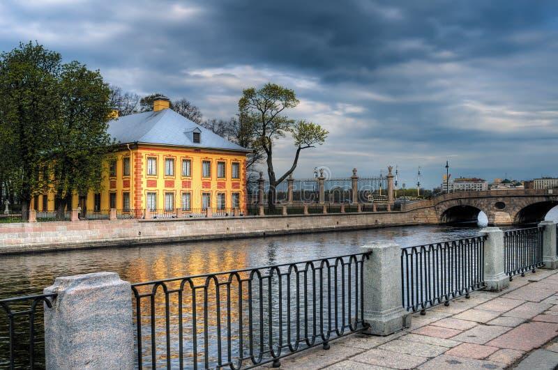 A casa de Peter no jardim do verão. St Petersburg, Rússia. fotografia de stock royalty free