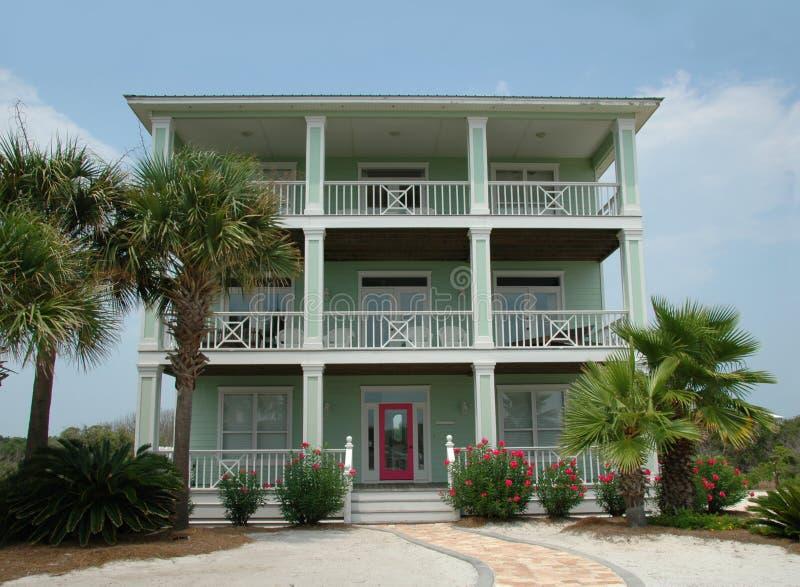 Casa de praia das férias foto de stock royalty free