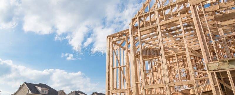 Casa de quadro de madeira da madeira do close-up em Irving, Texas, EUA foto de stock royalty free