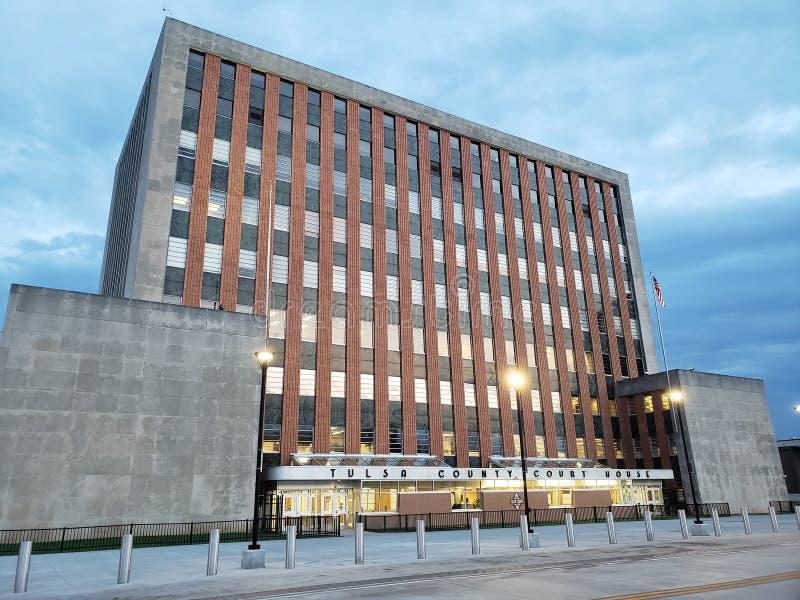Casa de tribunal de comarca em Tulsa do centro Oklahoma EUA imagem de stock