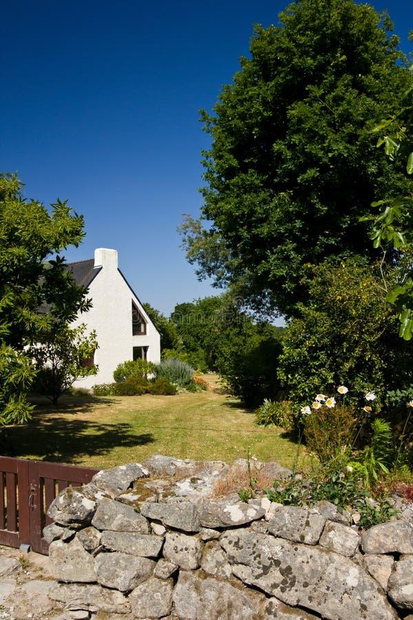 Casa de verão em Brittany foto de stock royalty free