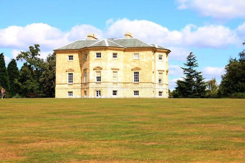 Casa de verano inglesa grande fotos de archivo
