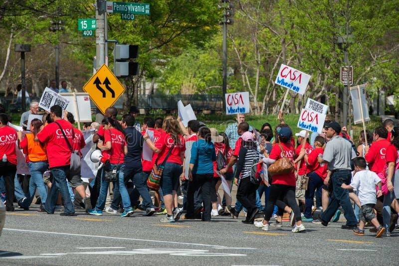 Casa del blanco de la C C , los E.E.U.U. - MAYO, 2 2014 - inmigrante fuera de la casa blanca que protesta para la casa fotos de archivo libres de regalías