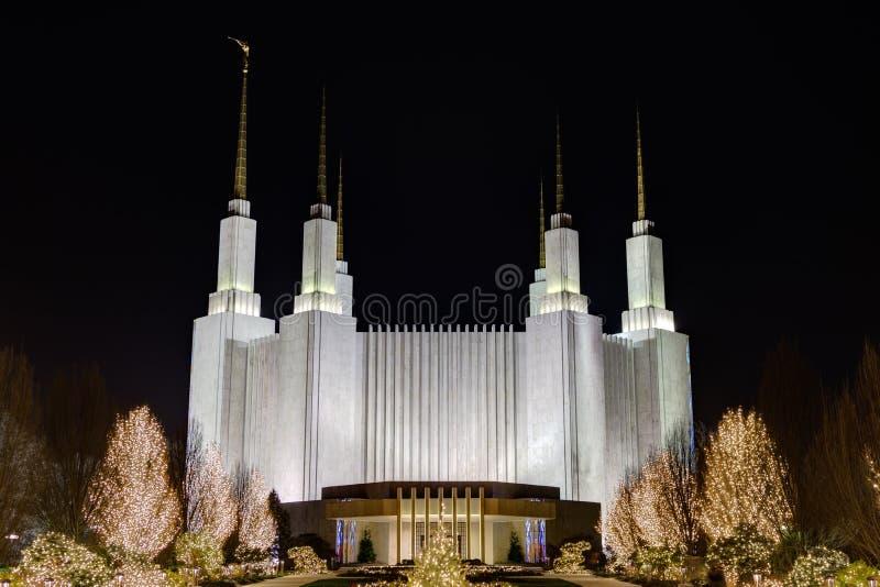 Casa del blanco de la C C Templo, la iglesia de Jesus Christ de moderno imagen de archivo libre de regalías