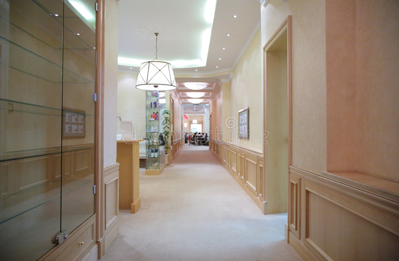 casa del corridoio lunga fotografie stock