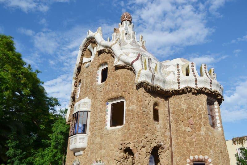 Casa del cuento de hadas en el parque Guell foto de archivo libre de regalías