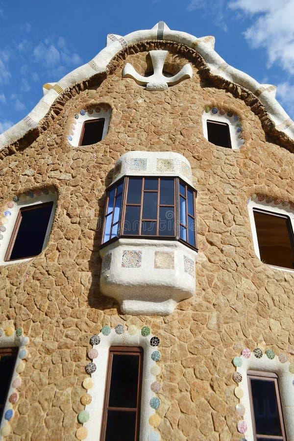 Casa del cuento de hadas en el parque Guell fotos de archivo libres de regalías