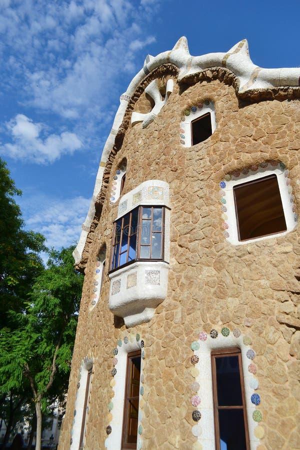 Casa del cuento de hadas en el parque Guell imagenes de archivo