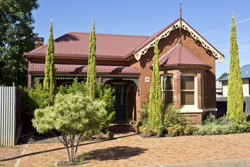 Download Casa Del Estilo De Edwardian Imagen de archivo - Imagen de cubierta, configuración: 41918045