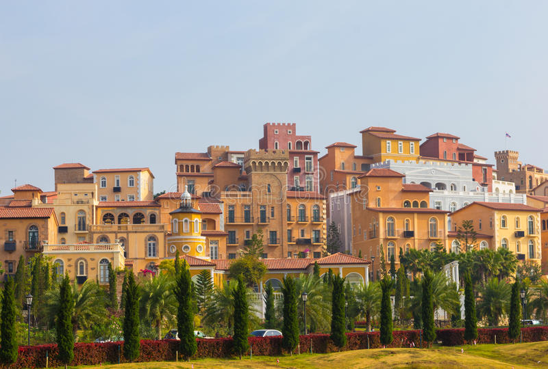 Casa del estilo de Toscana Italia en la colina imagen de archivo