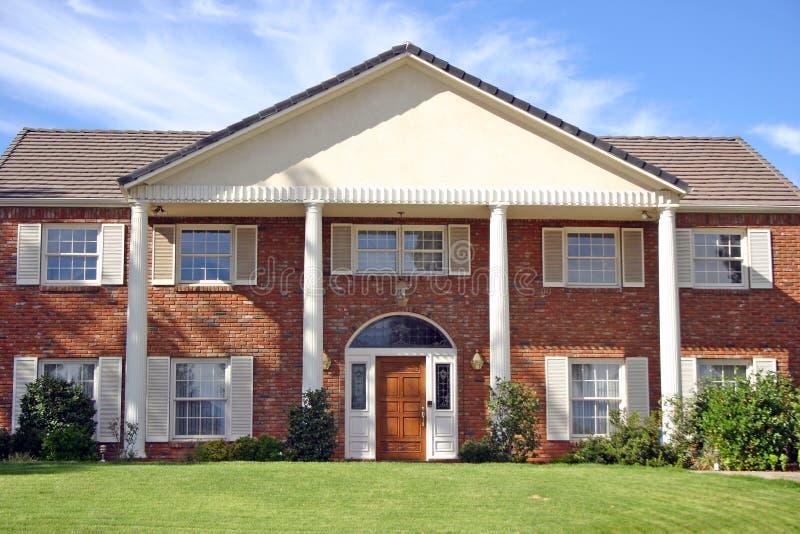 Download Casa del ladrillo imagen de archivo. Imagen de casas, columnas - 25739