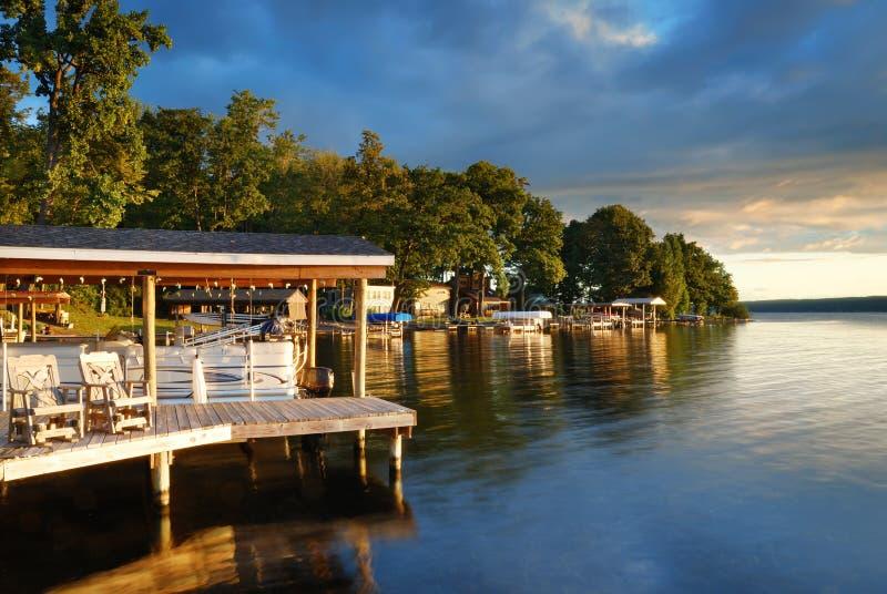 Casa del lago fotografía de archivo libre de regalías