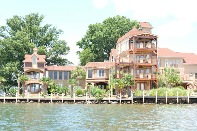 Casa del lago fotografia stock libera da diritti