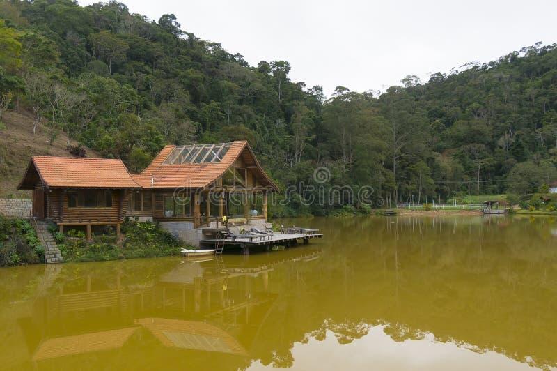 Casa del lago en Teresopolis foto de archivo