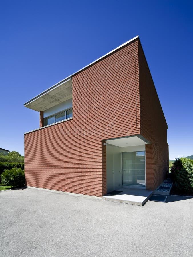casa del mattone moderna immagini stock libere da diritti