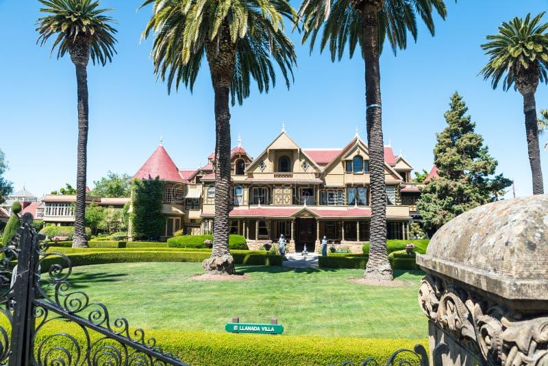 Casa del misterio de Winchester en San Jose fotos de archivo libres de regalías