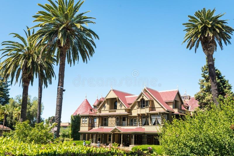 Casa del misterio de Winchester en San Jose foto de archivo