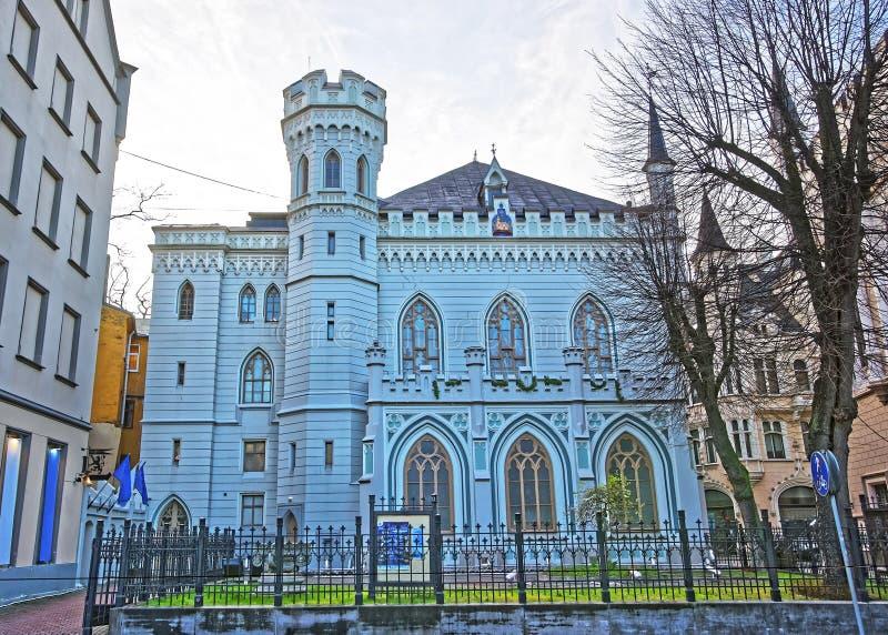 Casa del pequeño gremio en la ciudad vieja en Riga en Letonia imagenes de archivo