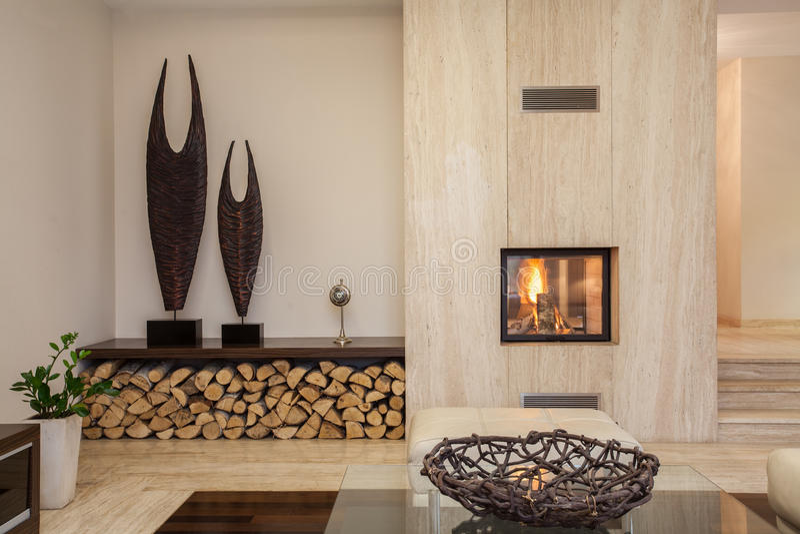 Casa del travertino: sala de estar moderna fotos de archivo libres de regalías