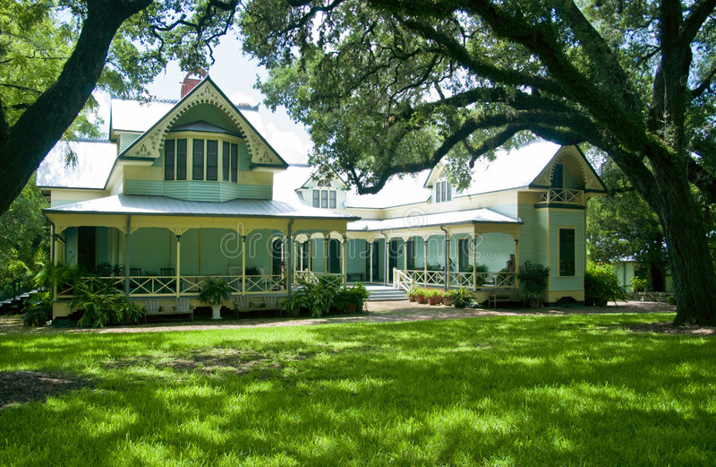 Download Casa del Victorian immagine stock. Immagine di adattato - 3130673