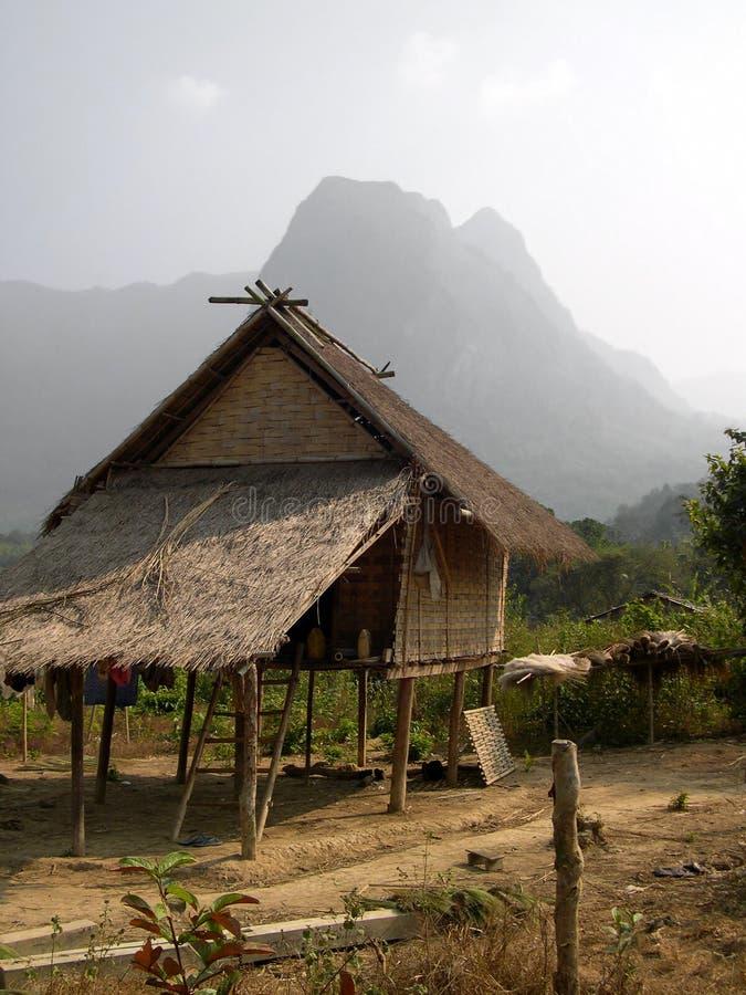 Casa del zanco de la tribu de la colina, Laos fotos de archivo libres de regalías