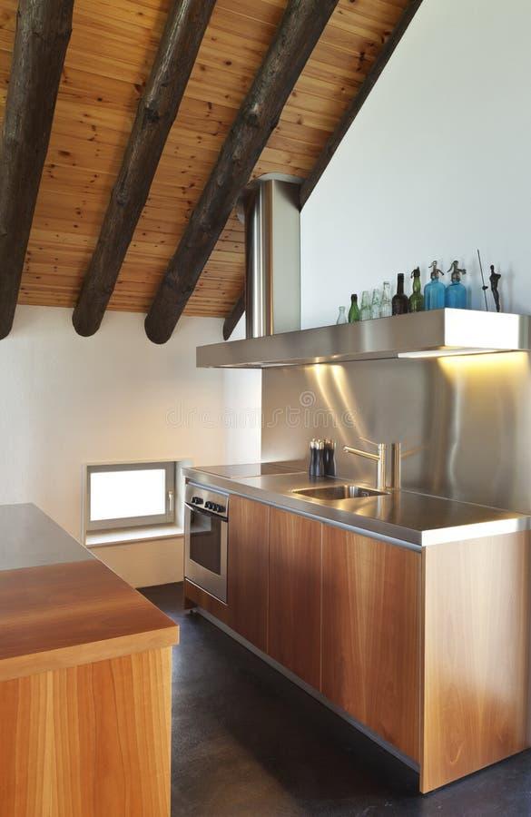 Casa della montagna cucina fotografia stock immagine di for Programma di disegno della casa libera
