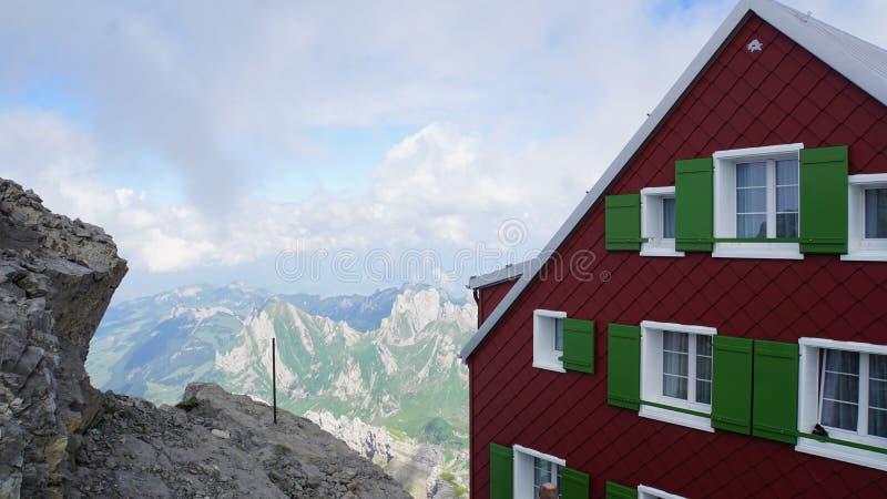 Casa della montagna sul Santis immagine stock libera da diritti