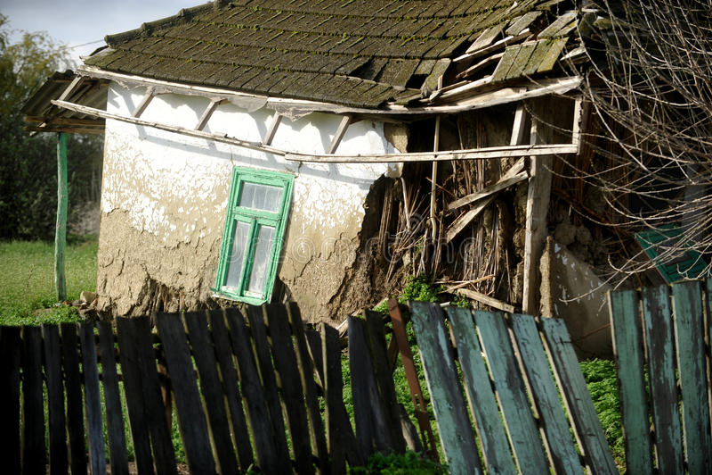 Casa di adobe tradizionale nociva fotografia stock libera da diritti