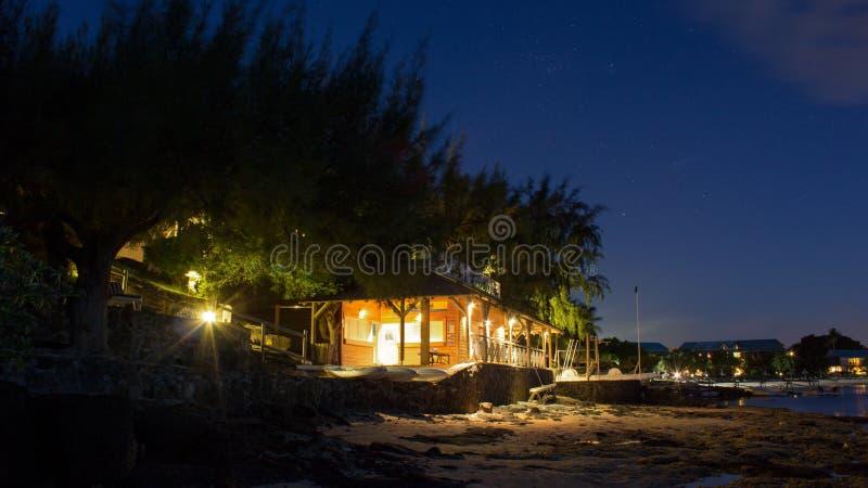 Casa di barca sui Cannoniers aus. Mauritius di Pointe della spiaggia fotografia stock