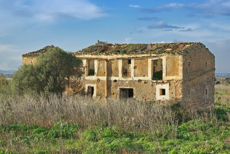 Casa di campagna abbandonata fotografia stock immagine for Architettura della casa di campagna