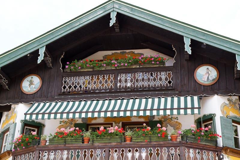Casa di campagna bavarese tipica immagine stock immagine for Casa da vivere
